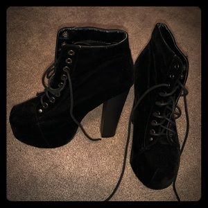 Worn once black High heel boots